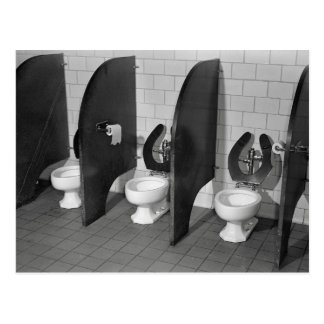Toilettes Facilities, 1943 Carte Postale