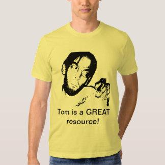 Tom est une GRANDE ressource ! T-shirts