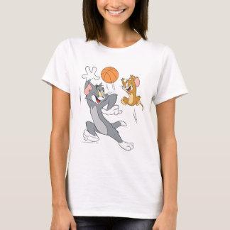 Tom et basket-ball 1 de Jerry T-shirt
