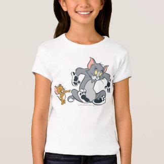 Tom et chat noir de patte de Jerry T-shirt