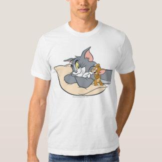 Tom et Jerry sur le coussin T-shirts