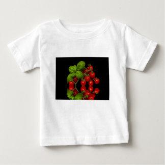 Tomates cerise rouges fraîches t-shirt pour bébé