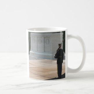 Tombe des inconnus mug