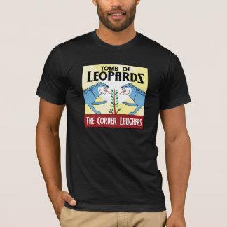 Tombe des léopards (avec des crédits) t-shirt