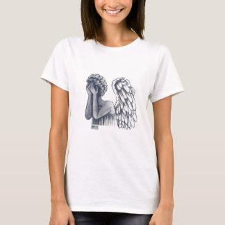 Tombé, T-shirts d'art d'ange pour des femmes