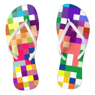 Tongs Pixelate coloré avec les courroies blanches