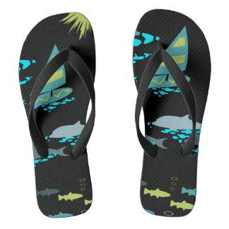 Tongs Rétro planche à voile verte et dauphins de noir de