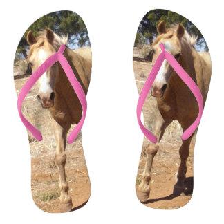 Tongs Salutation de cheval de palomino, rose de dames