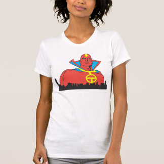 Tornade rouge derrière le paysage urbain t-shirt