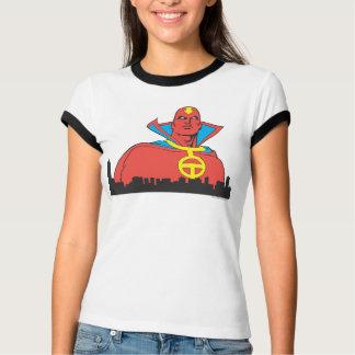 Tornade rouge derrière le paysage urbain t-shirts