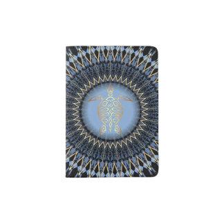 Tortue bleue noire de mandala d'or protège-passeports