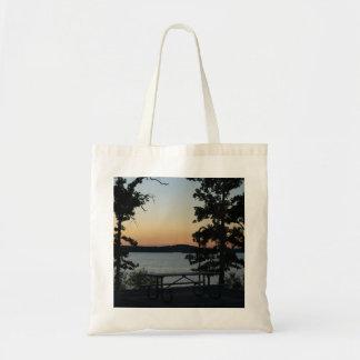 Tote Bag Coucher du soleil de silhouette de roche de