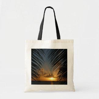 Tote Bag Coucher du soleil par le paysage marin tropical de