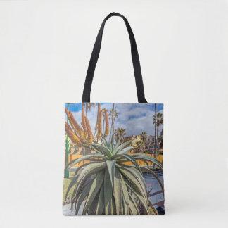 Tote Bag Le plante de Vera d'aloès et fleurissent tout plus