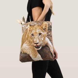 Tote Bag Le tigre CUB prend le reniflard sur une roche