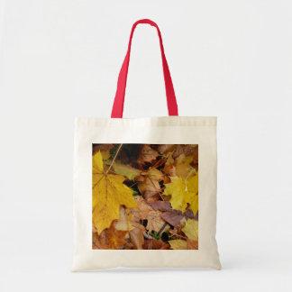 Tote Bag L'érable tombé laisse la nature jaune d'automne