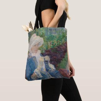 Tote Bag Lydia faisant du crochet dans le jardin à marneux