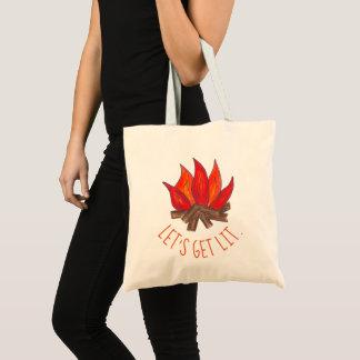Tote Bag Obtenons à des flammes du feu de feu de camp de