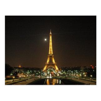 Tour Eiffel à la carte postale de nuit