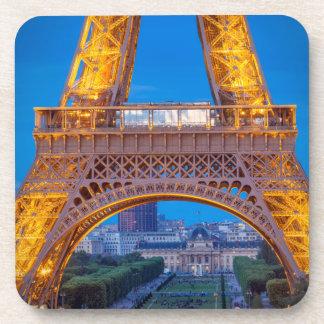 Tour Eiffel avec Ecole Militaire au-delà Sous-bocks