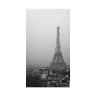 Tour Eiffel dans un matin brumeux Toile
