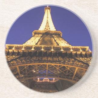 Tour Eiffel de la FRANCE, Paris, égalisant la vue Dessous De Verres