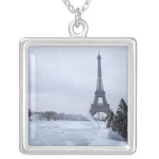 Tour Eiffel en hiver Pendentif Carré