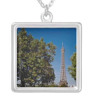 Tour Eiffel et arbres, Paris, France Pendentif Carré