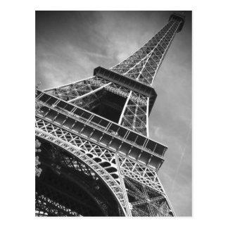 Tour Eiffel noir et blanc de dessous - Paris Carte Postale