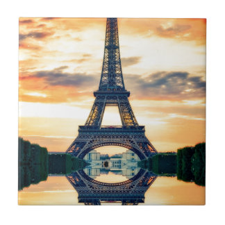 Tour Eiffel Paris même le voyage européen Carreau