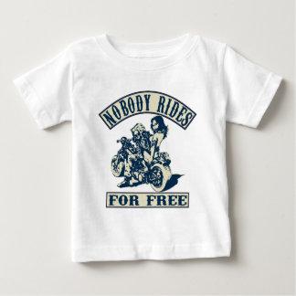 tour gratuit 2 t-shirt
