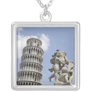 Tour penchée de Pise et de statue, Italie Pendentif Carré