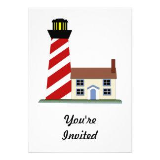 Tour rayée rouge et blanche de phare cartons d'invitation