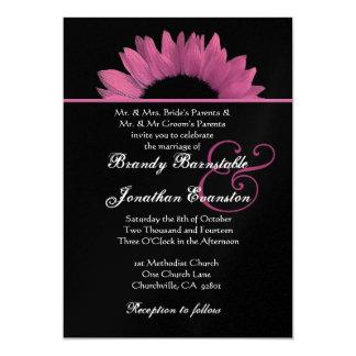 Tournesol rose et noir épousant le papier carton d'invitation  12,7 cm x 17,78 cm