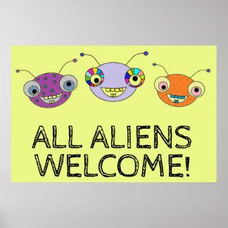 TOUS LES aliens heureux colorés mignons d'ACCUEIL Poster