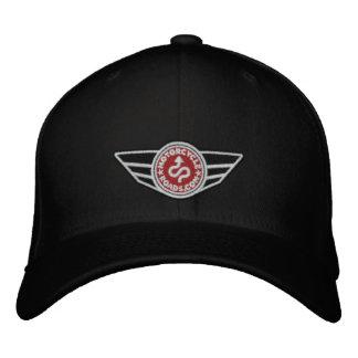 Tout-casquette noir avec le logo de MCR brodé par Casquette Brodée