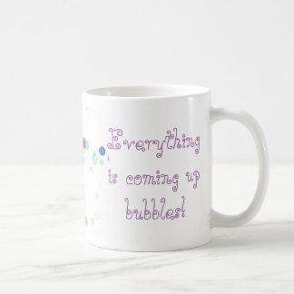 Tout est bulle étant soulevée mug