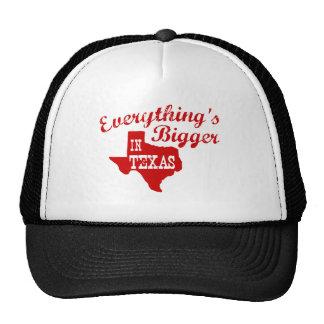 Tout est plus grand dans le casquette de casquette