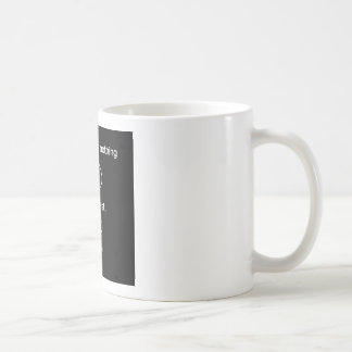 Tout n'est rien avec un solidchainwear de torsion mug
