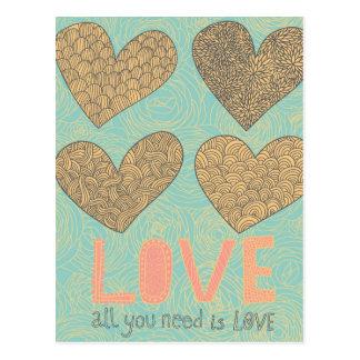 Tout que vous avez besoin est amour carte postale
