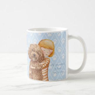 Tout que vous avez besoin est amour et une Aile du Mug