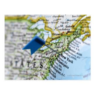 Tracez la goupille placée sur New York City sur la Carte Postale