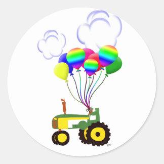 Tracteur avec des ballons autocollants ronds