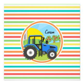 Tracteur bleu ; Rayures lumineuses d'arc-en-ciel Carton D'invitation