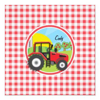 Tracteur rouge sur le guingan rouge et blanc invitations