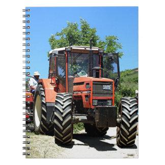 Tracteur rouge sur l'EL Camino, Espagne Carnet