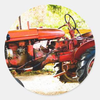 Tracteur rouge vintage sticker rond