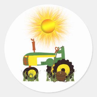 Tracteur vert avec l'autocollant de pêche Polonais