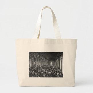 Traité de Versailles Grand Tote Bag
