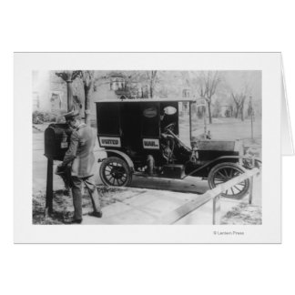 "Transporteur de courrier avec l'automobile ""de carte de vœux"
